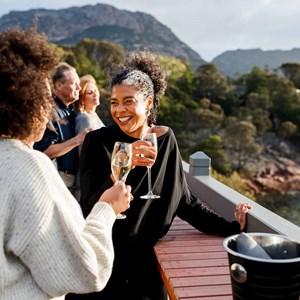 Tasmanias Food Whiskey Wine Guided Tour